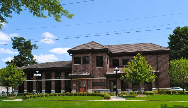 front view of Willennar Genealogy Center